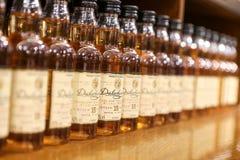 Bottiglie del whiskey scozzese di Dalwhinnie Fotografia Stock Libera da Diritti
