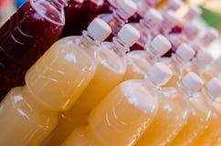 Bottiglie dell'ANIMALE DOMESTICO Fotografie Stock Libere da Diritti