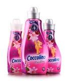 Bottiglie dell'emolliente liquido del tessuto di Coccolino Fotografie Stock