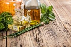 Bottiglie dell'olio di oliva Fotografie Stock Libere da Diritti