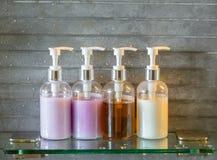 Bottiglie dello sciampo (vintag elaborato immagine filtrato immagini stock
