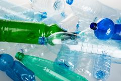 Bottiglie di acqua vuote - alto vicino Fotografie Stock Libere da Diritti