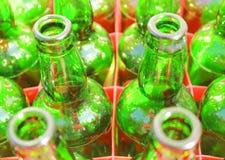 Bottiglie di birra di vetro verde Fotografia Stock Libera da Diritti