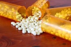Bottiglie di medicina Fotografie Stock Libere da Diritti