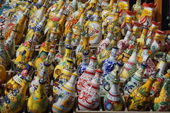 Bottiglie di olio d'oliva dipinte a mano di Deruta Fotografia Stock Libera da Diritti