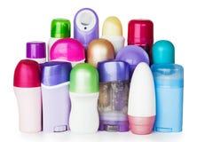 Bottiglie di plastica delle estetiche su priorità bassa bianca Fotografie Stock