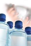 Bottiglie di plastica di acqua Fotografie Stock Libere da Diritti