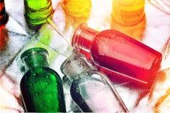 Bottiglie di plastica di sciampo, di sapone liquido o di lozione per viaggiare Immagine Stock Libera da Diritti
