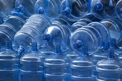 Bottiglie di plastica vuote Immagini Stock Libere da Diritti