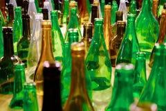 Bottiglie di vetro colorate Fotografie Stock