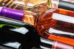 Bottiglie di vino delle specie differenti Fotografia Stock