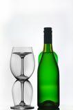 Bottiglie e vetri di vino Fotografie Stock
