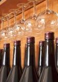 Bottiglie e vetri di vino Immagine Stock Libera da Diritti
