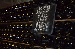 Bottiglie impilate di champagne Fotografie Stock Libere da Diritti
