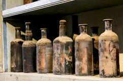 Bottiglie molto vecchie Immagini Stock