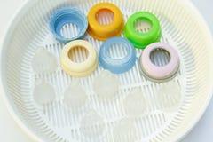 Bottiglie per il latte e del capezzolo per il bambino Fotografia Stock Libera da Diritti