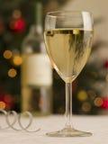 bottle glass white wine Στοκ φωτογραφίες με δικαίωμα ελεύθερης χρήσης