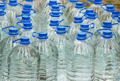 bottles dricksvatten Royaltyfria Foton