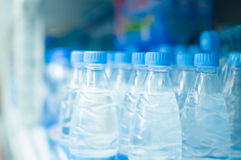 Bottles with fresh water in supermarket Royalty Free Stock Photos