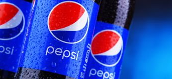 Free Bottles Of Carbonated Soft Drink Pepsi Royalty Free Stock Images - 135975239