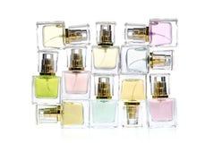 bottles perfekt doft för reklamfilmkvinnligtidskrifter Arkivbild