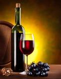 bottles still wine för livstid arkivfoton