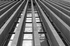 Bottom-upperspektive eines Gebäudes lizenzfreies stockbild