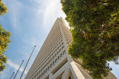 Bottom view of skyscaper, San Francisco Stock Photography