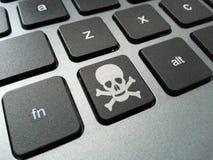 Bottone della tastiera di tibie incrociate e del cranio Immagine Stock Libera da Diritti