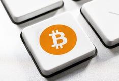 Bottone di Bitcoin Fotografia Stock Libera da Diritti