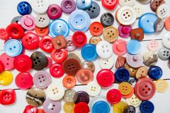Bottone di cucito variopinto Immagini Stock Libere da Diritti