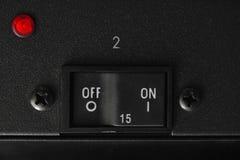 Bottone di interruttore on-off con controler principale rosso Fotografie Stock Libere da Diritti
