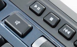 Bottone muto sulla tastiera di computer fotografie stock libere da diritti