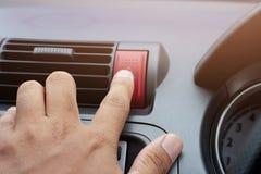 Bottone rosso di emergenza fotografie stock libere da diritti