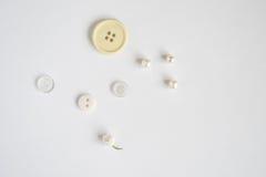 Bottoni d'annata su fondo bianco Immagine Stock Libera da Diritti