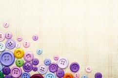 Bottoni di cucito multicolori Immagini Stock