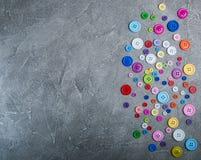 Bottoni di plastica variopinti dell'abbigliamento Fotografia Stock Libera da Diritti