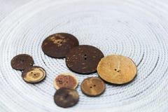 Bottoni fatti dalle noci di cocco Immagine Stock Libera da Diritti