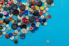 Bottoni su un fondo blu Fotografie Stock