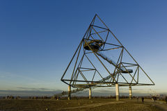 Bottrop Tetraeder en 60 meter hög Tetrahedron Arkivfoto