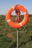 Bouée de sauvetage rouge photographie stock