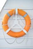 Bouée de sauvetage sur le bateau Image libre de droits
