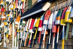 Bouées colorées de langoustine du Maine Photographie stock