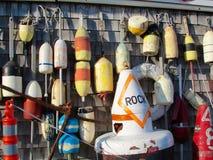 Bouées colorées de langoustine du Maine Photographie stock libre de droits