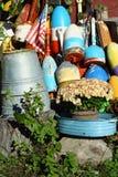 Bouées colorées de trappe de langoustine images stock