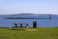 Bouées d'amarrage sur la mer chez Killyleagh Irlande du Nord photo stock