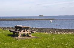 Bouées d'amarrage sur la mer chez Killyleagh Irlande du Nord image libre de droits