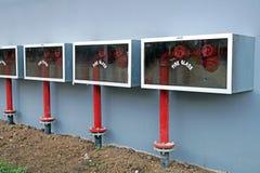 Bouche d'incendie et boîte de tuyau dans le secteur hazadous de la centrale Images stock