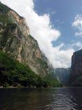 Bouche de canyon de Sumidero dans Chiapas, Mexique Image libre de droits