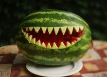 Bouche de dents de requin de coupe d'art de pastèque image libre de droits